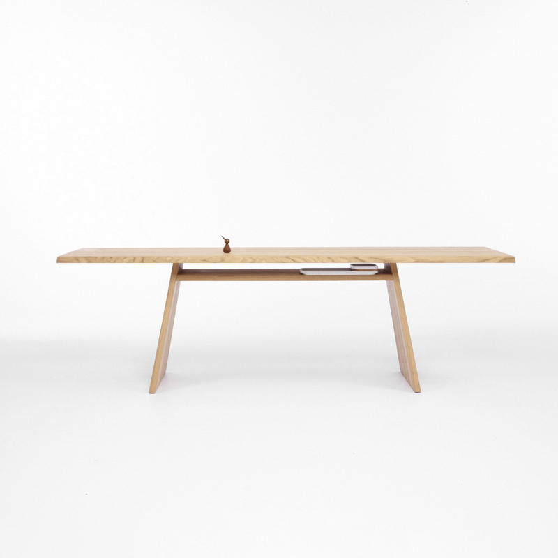 cruso-june-table-oak-240-cmv.jpg