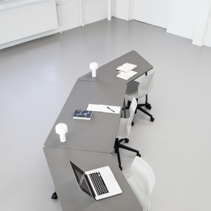 fourfold-fliptop-table-on-castors-686x10301.jpg