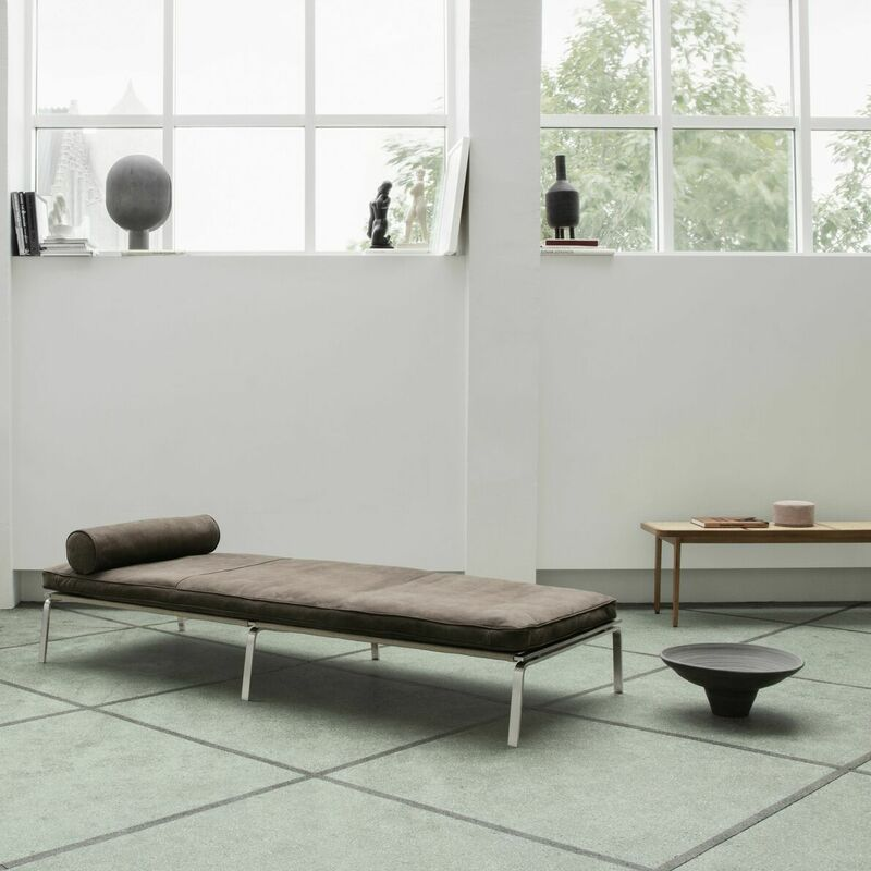norr11-man-daybed.jpg